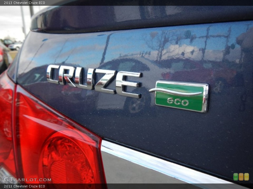 2013 Chevrolet Cruze Badges and Logos