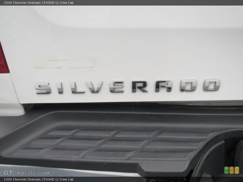 2009 Chevrolet Silverado 2500HD Badges and Logos