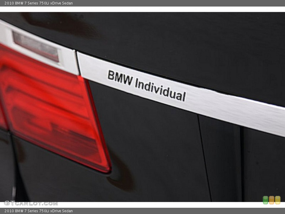 2010 BMW 7 Series Badges and Logos
