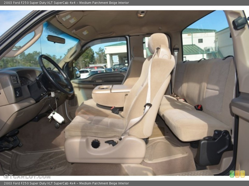 Medium Parchment Beige Interior Photo for the 2003 Ford F250 Super Duty XLT SuperCab 4x4 #101217360