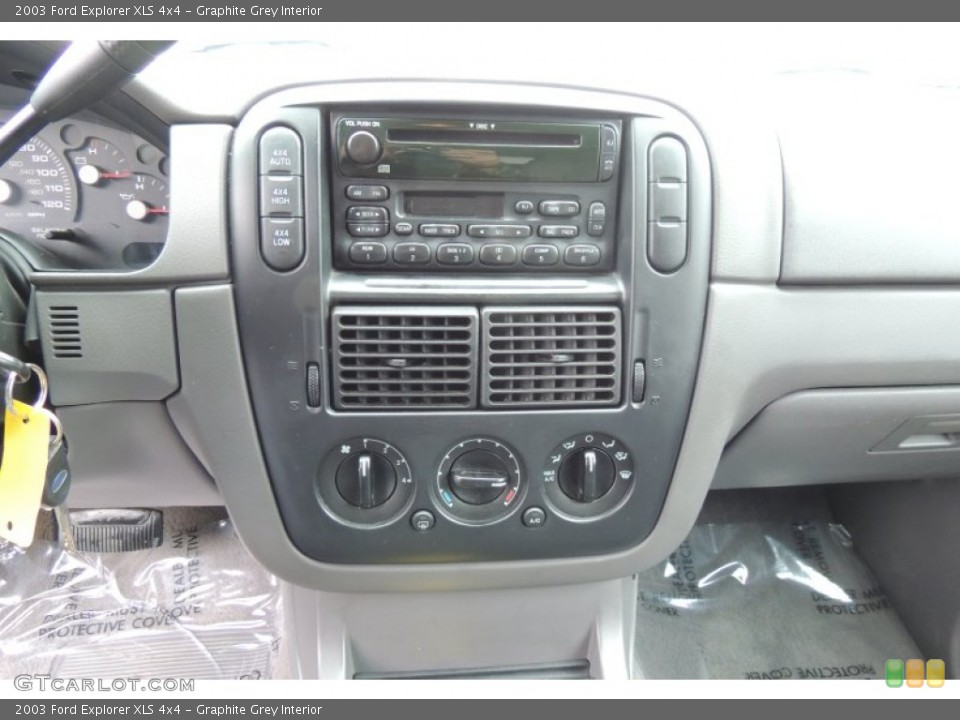 Graphite Grey Interior Controls for the 2003 Ford Explorer XLS 4x4 #102203033
