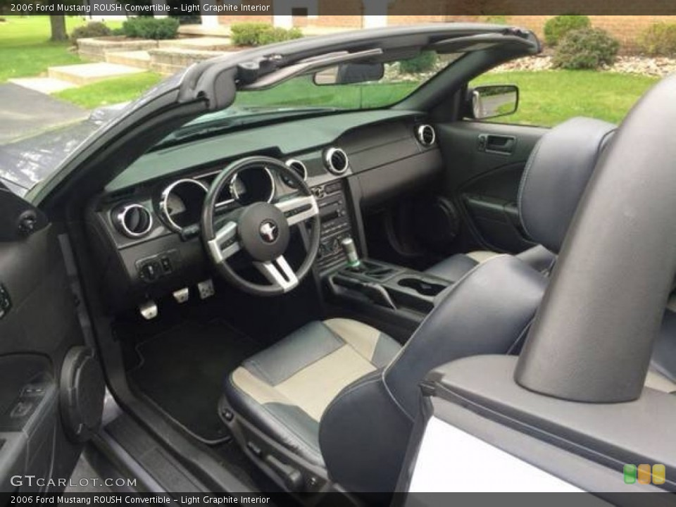 Light Graphite 2006 Ford Mustang Interiors