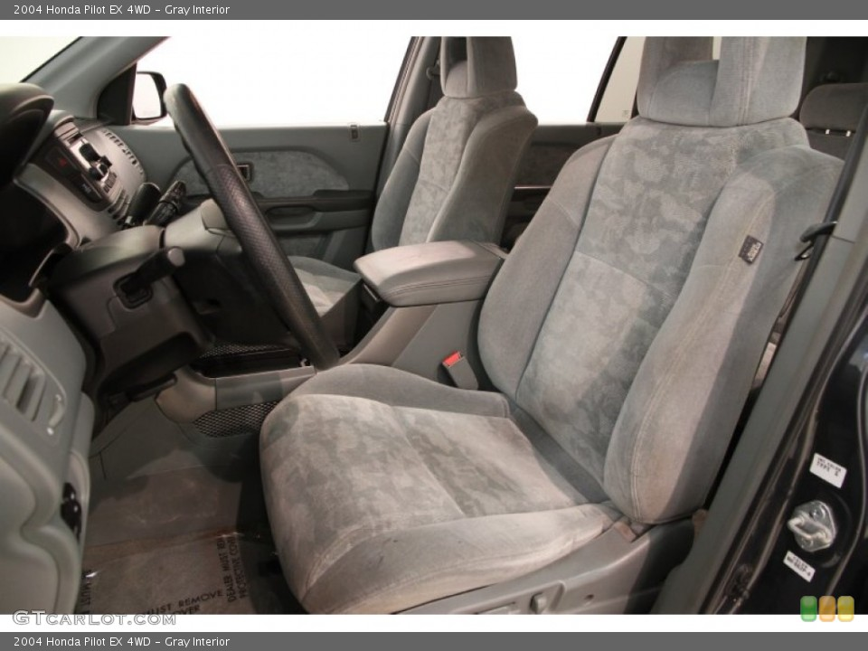 Gray Interior Photo for the 2004 Honda Pilot EX 4WD #106953015