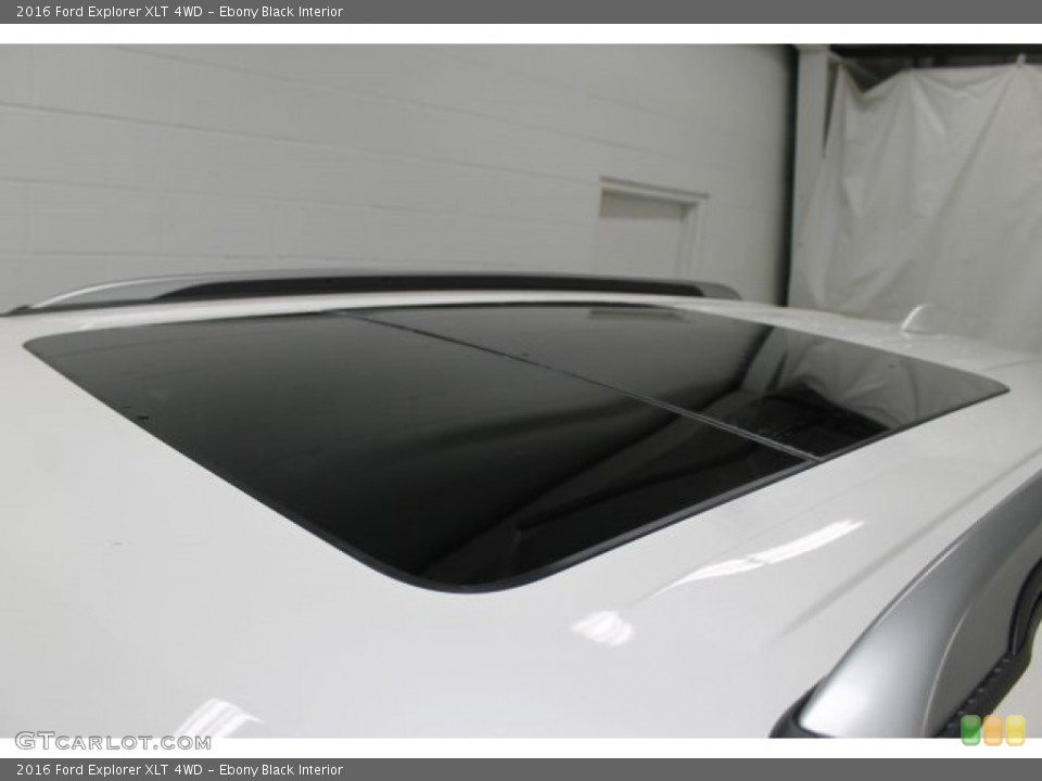 Ebony Black Interior Sunroof for the 2016 Ford Explorer XLT 4WD #107880504