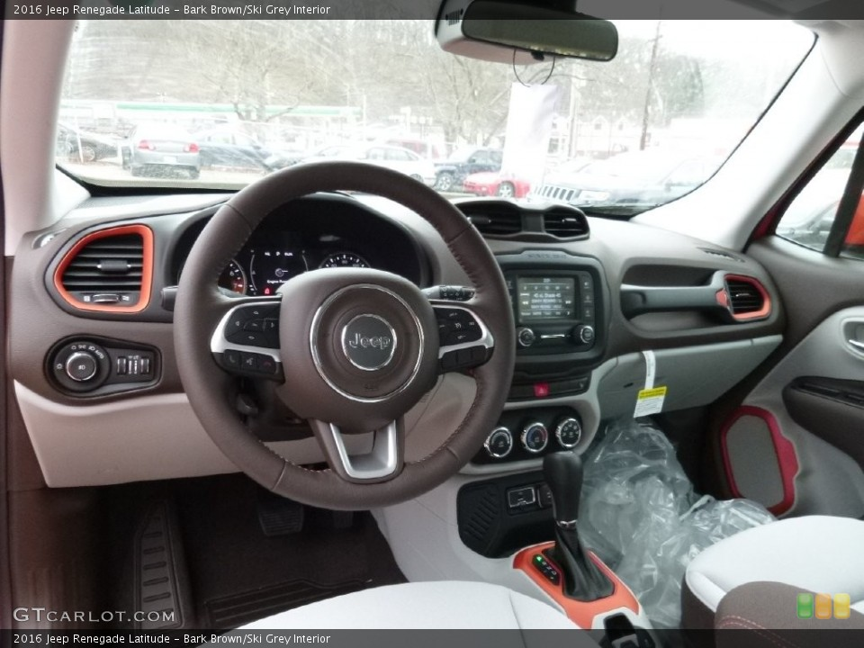 Bark Brown/Ski Grey 2016 Jeep Renegade Interiors