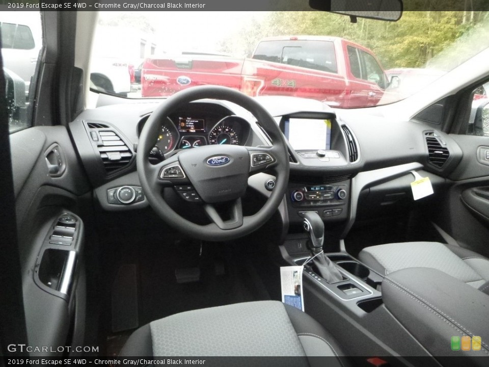 Chromite Gray/Charcoal Black Interior Photo for the 2019 Ford Escape SE 4WD #130022860