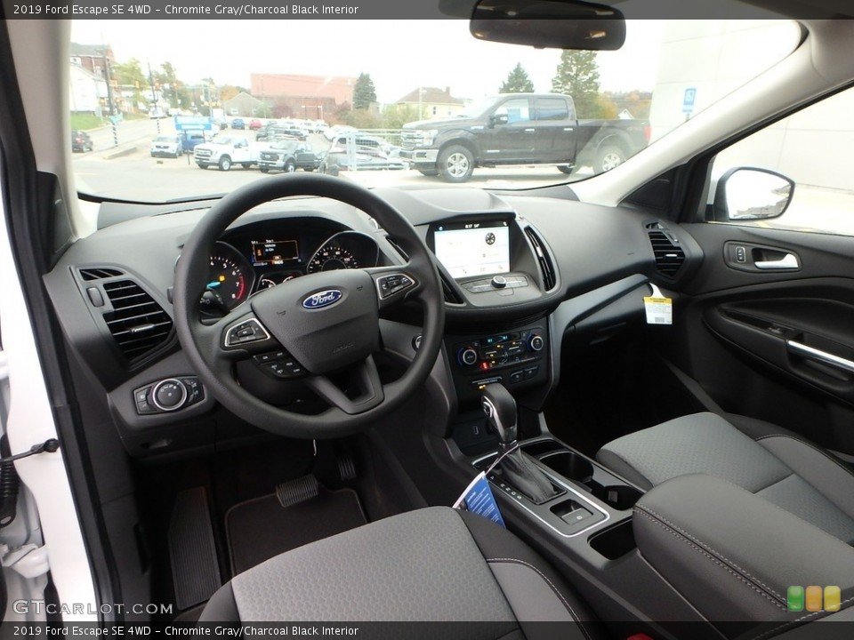 Chromite Gray/Charcoal Black Interior Photo for the 2019 Ford Escape SE 4WD #130214818