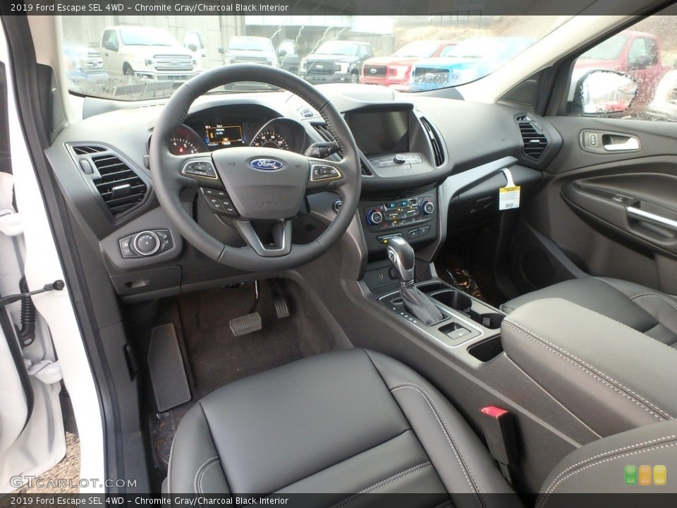 Chromite Gray/Charcoal Black Interior Photo for the 2019 Ford Escape SEL 4WD #130958319