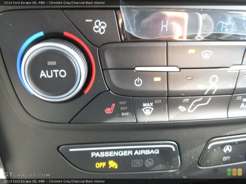 Chromite Gray/Charcoal Black Interior Controls for the 2019 Ford Escape SEL 4WD #130988435