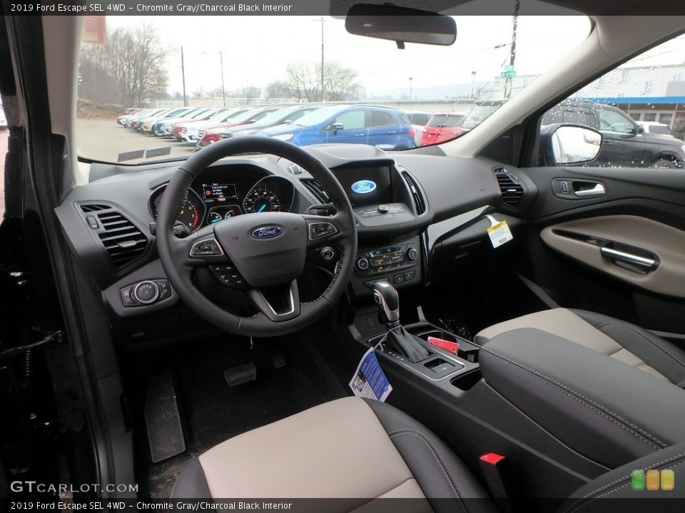 Chromite Gray/Charcoal Black Interior Photo for the 2019 Ford Escape SEL 4WD #131297880