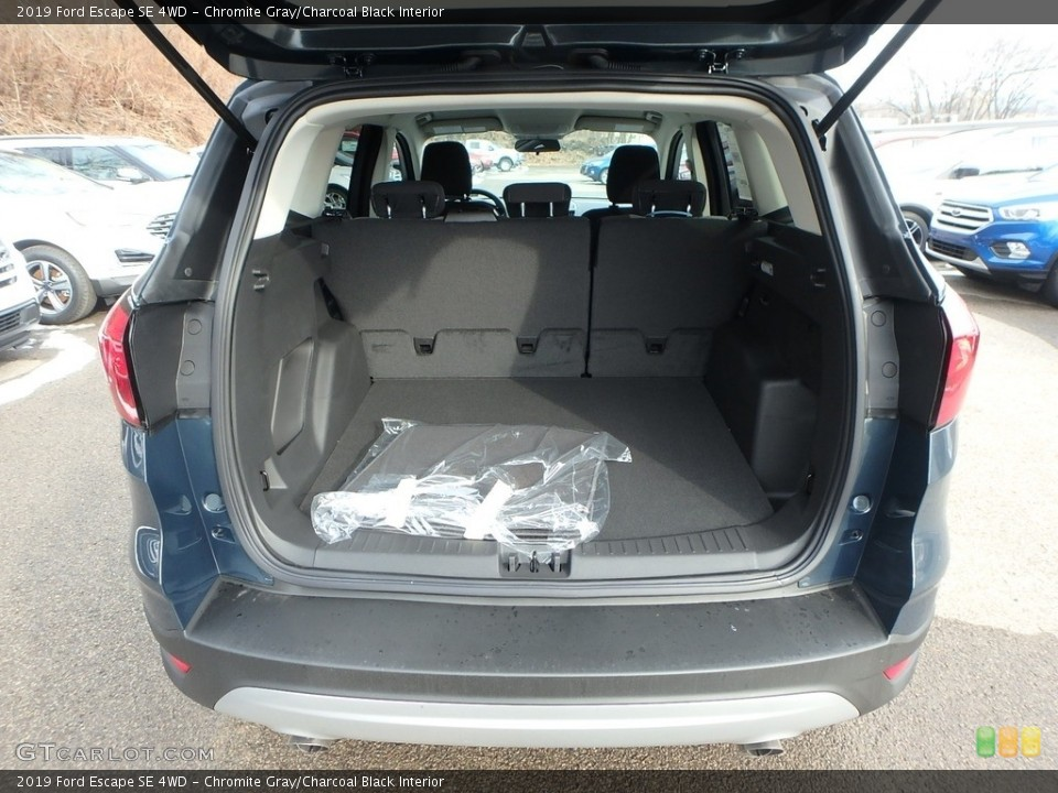 Chromite Gray/Charcoal Black Interior Trunk for the 2019 Ford Escape SE 4WD #132046701