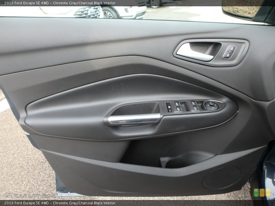 Chromite Gray/Charcoal Black Interior Door Panel for the 2019 Ford Escape SE 4WD #132047040