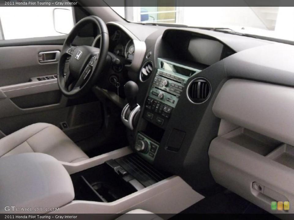 Gray Interior Photo for the 2011 Honda Pilot Touring #37804900