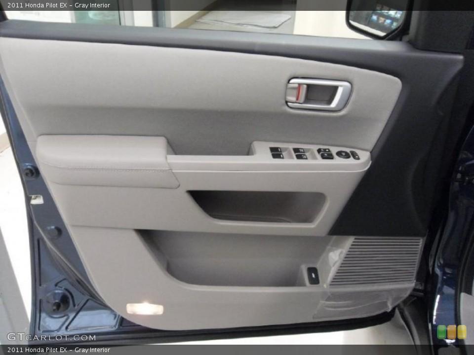 Gray Interior Photo for the 2011 Honda Pilot EX #38348530