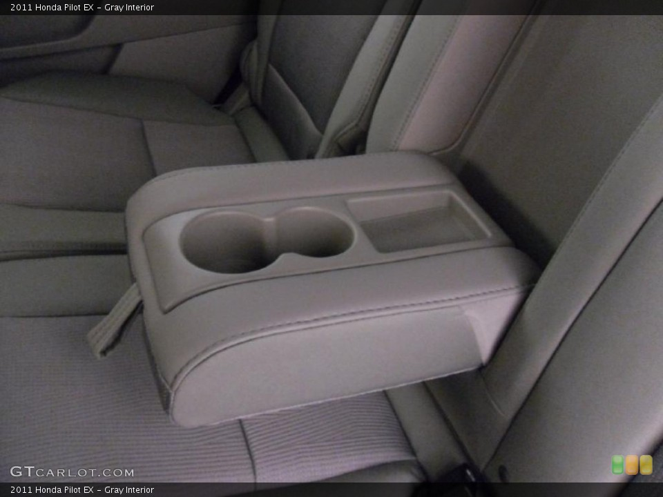 Gray Interior Photo for the 2011 Honda Pilot EX #38348618