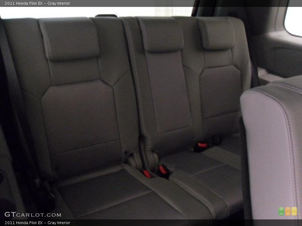 Gray Interior Photo for the 2011 Honda Pilot EX #38348698