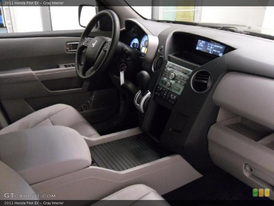 Gray Interior Photo for the 2011 Honda Pilot EX #38348746