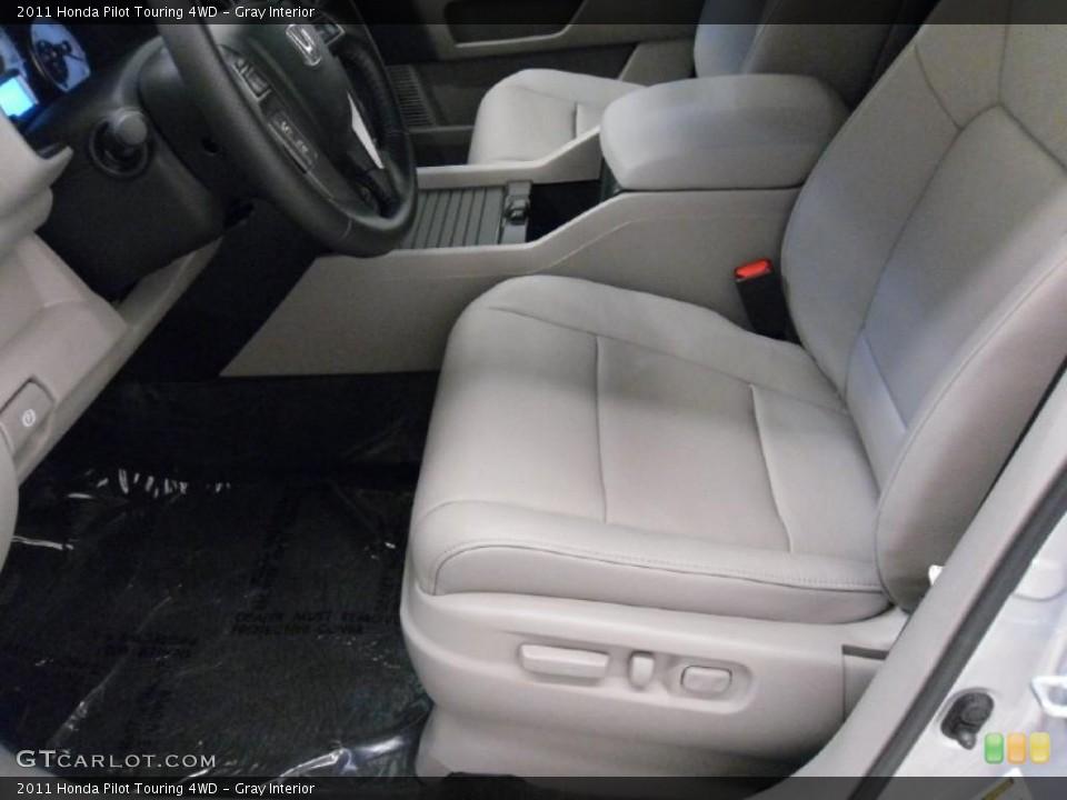 Gray Interior Photo for the 2011 Honda Pilot Touring 4WD #38352094