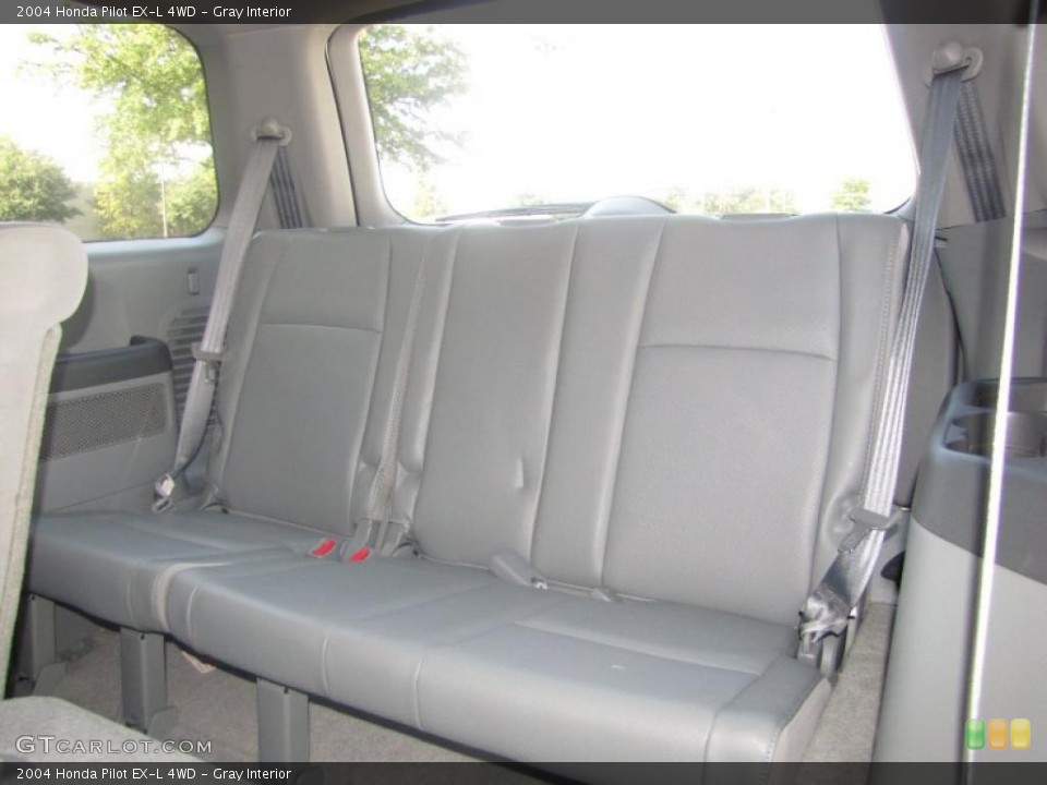 Gray Interior Photo for the 2004 Honda Pilot EX-L 4WD #38532199