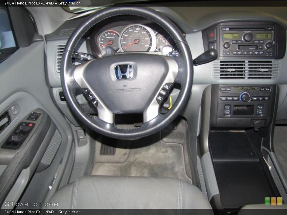 Gray Interior Photo for the 2004 Honda Pilot EX-L 4WD #38532243