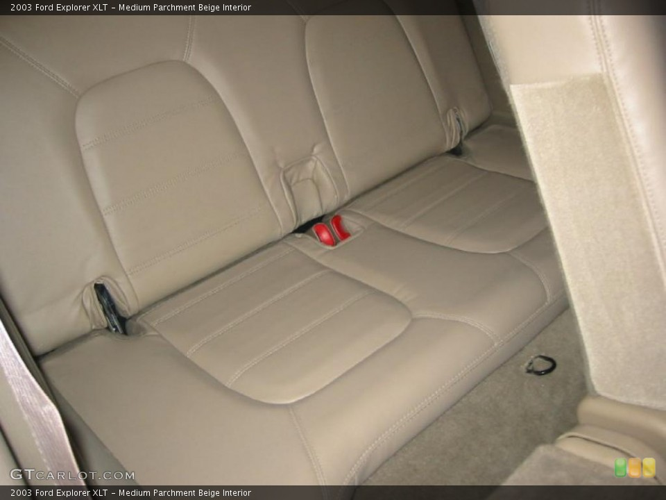 Medium Parchment Beige Interior Photo for the 2003 Ford Explorer XLT #39970152