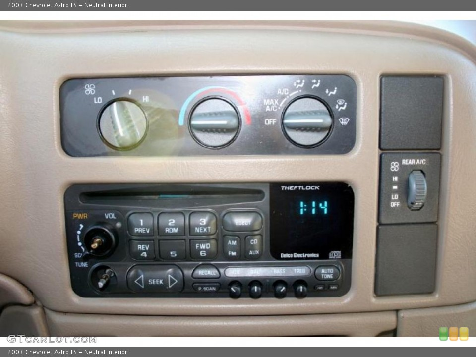 Neutral Interior Controls for the 2003 Chevrolet Astro LS #42484232