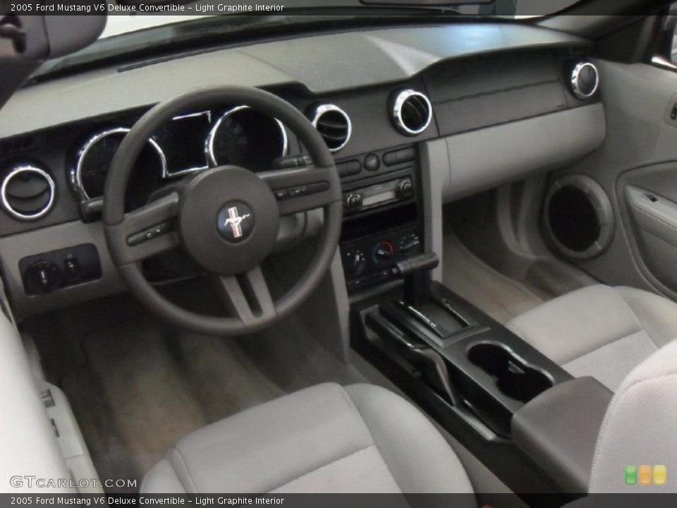 Light Graphite 2005 Ford Mustang Interiors