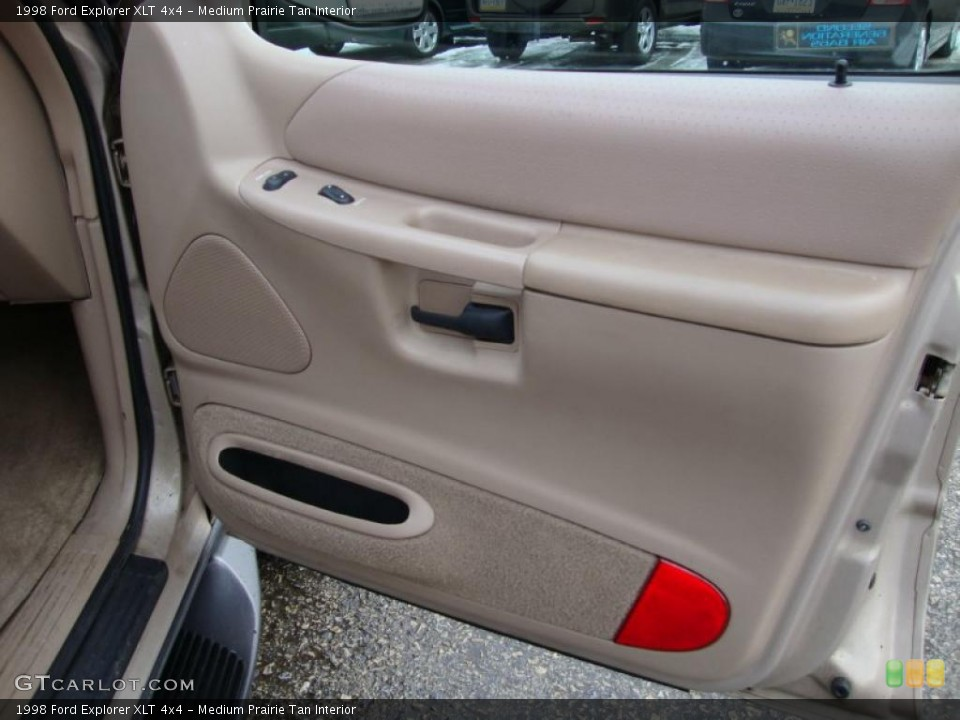 Medium Prairie Tan Interior Door Panel for the 1998 Ford Explorer XLT 4x4 #43370508