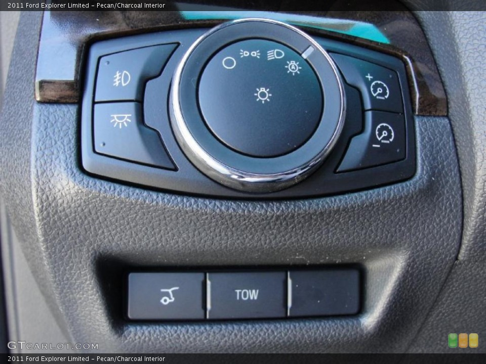 Pecan/Charcoal Interior Controls for the 2011 Ford Explorer Limited #44781614