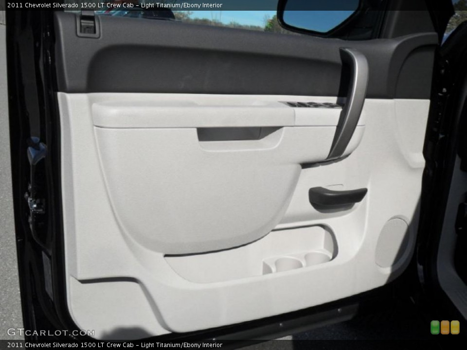 Light Titanium/Ebony Interior Door Panel for the 2011 Chevrolet Silverado 1500 LT Crew Cab #45367327