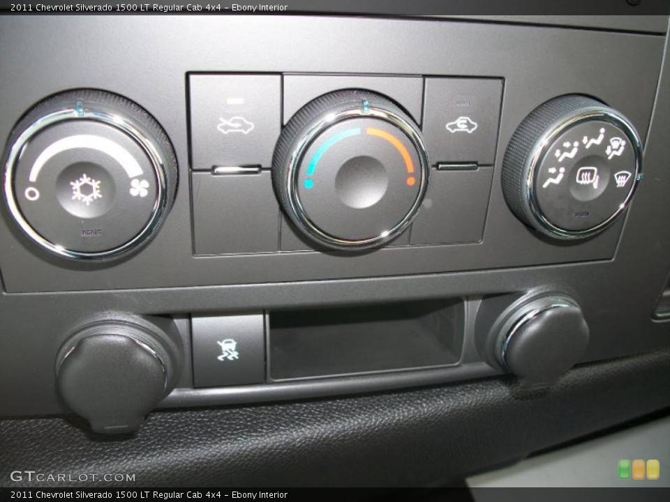 Ebony Interior Controls for the 2011 Chevrolet Silverado 1500 LT Regular Cab 4x4 #45552557