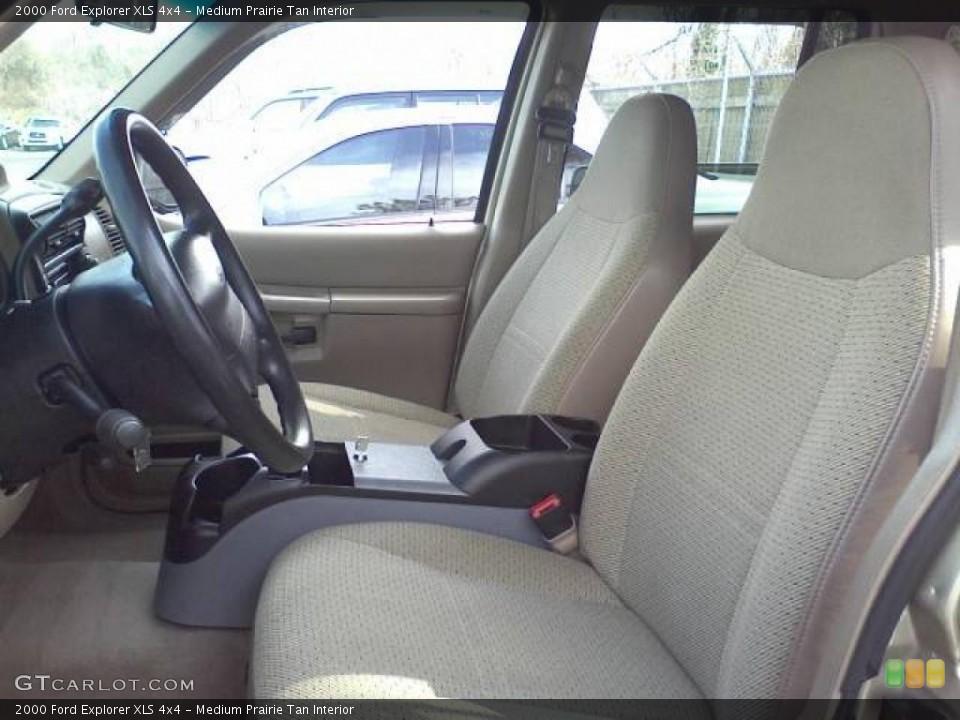 Medium Prairie Tan Interior Photo for the 2000 Ford Explorer XLS 4x4 #45714126