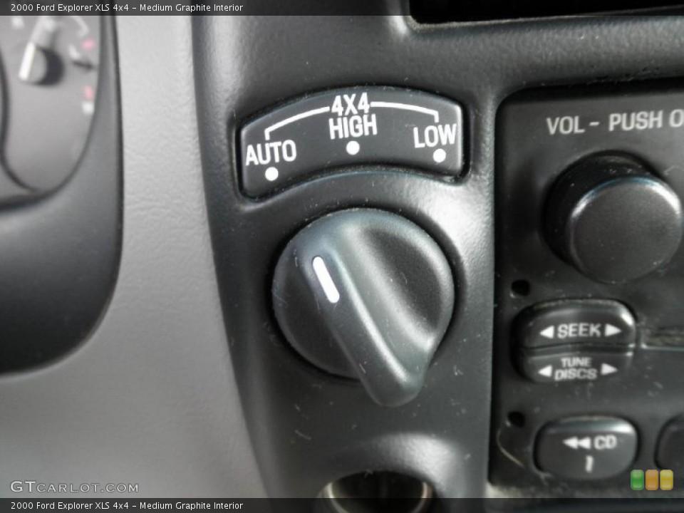 Medium Graphite Interior Controls for the 2000 Ford Explorer XLS 4x4 #46029871
