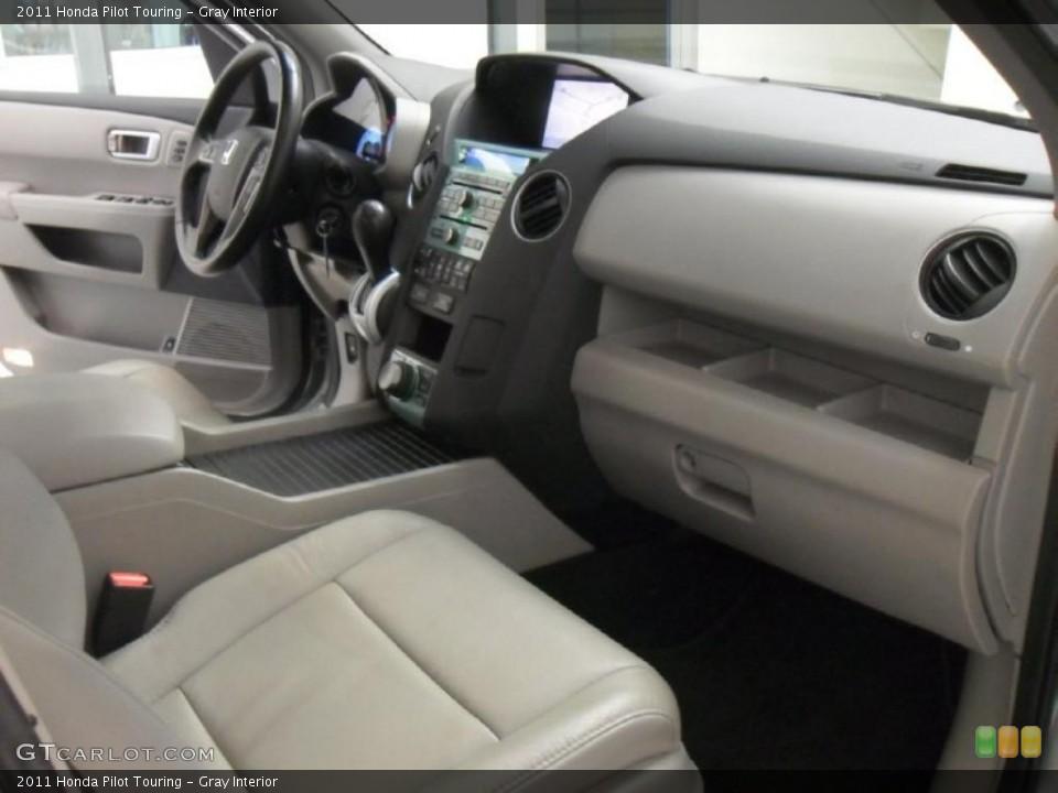 Gray Interior Dashboard for the 2011 Honda Pilot Touring #47279505