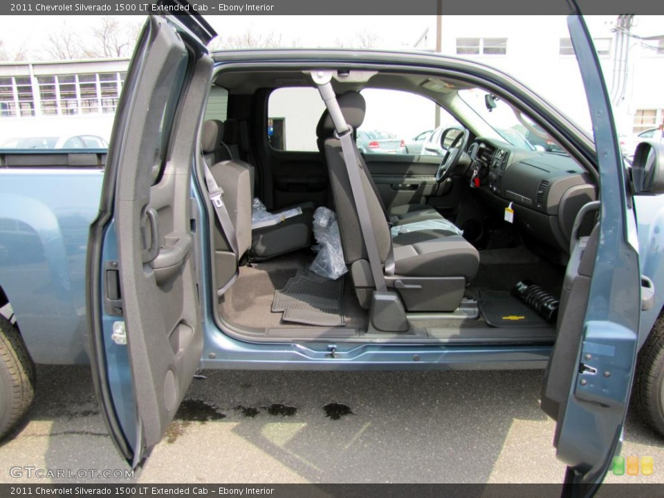 Ebony Interior Photo for the 2011 Chevrolet Silverado 1500 LT Extended Cab #47729559