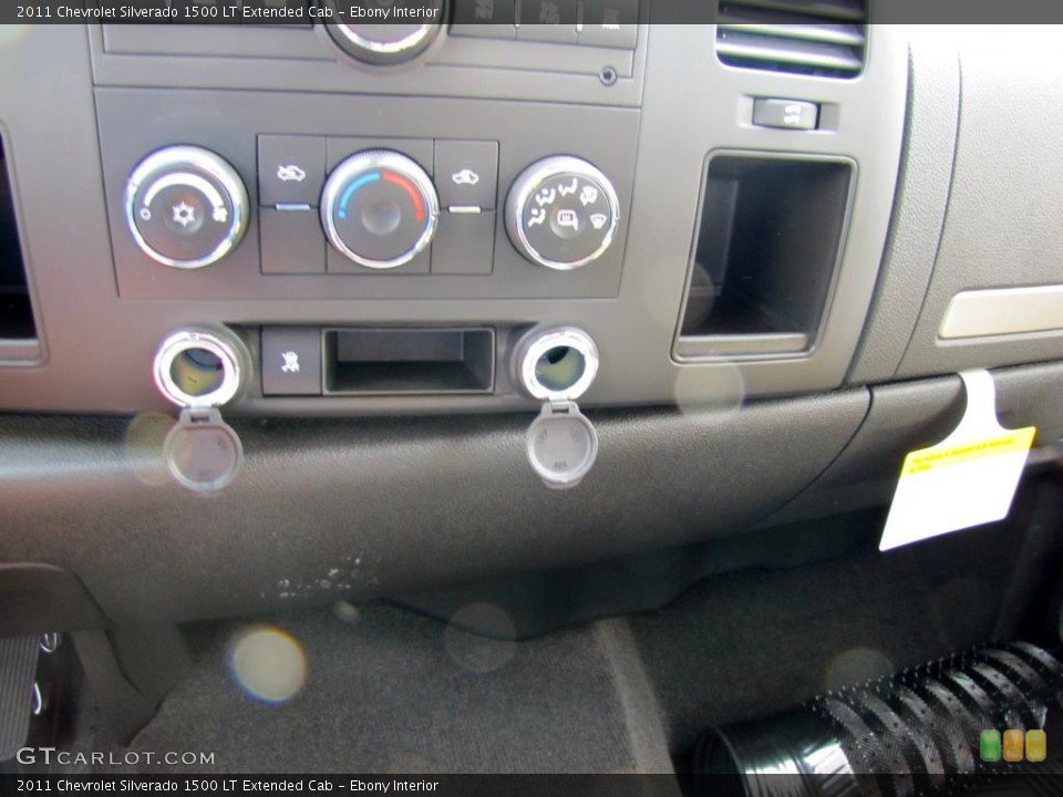 Ebony Interior Controls for the 2011 Chevrolet Silverado 1500 LT Extended Cab #47729940