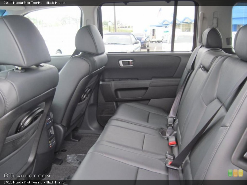 Black Interior Photo for the 2011 Honda Pilot Touring #48165566