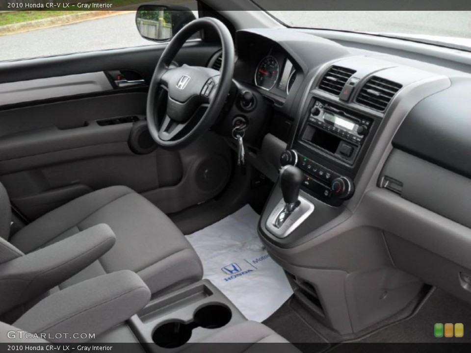 Gray Interior Photo for the 2010 Honda CR-V LX #49048353