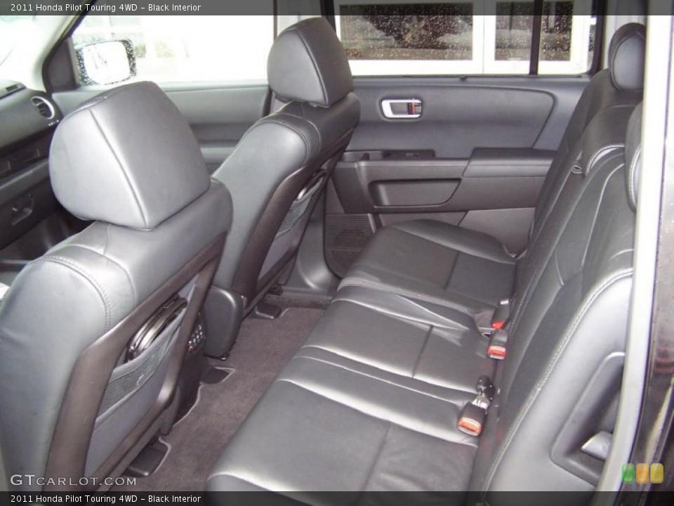 Black Interior Photo for the 2011 Honda Pilot Touring 4WD #49368353