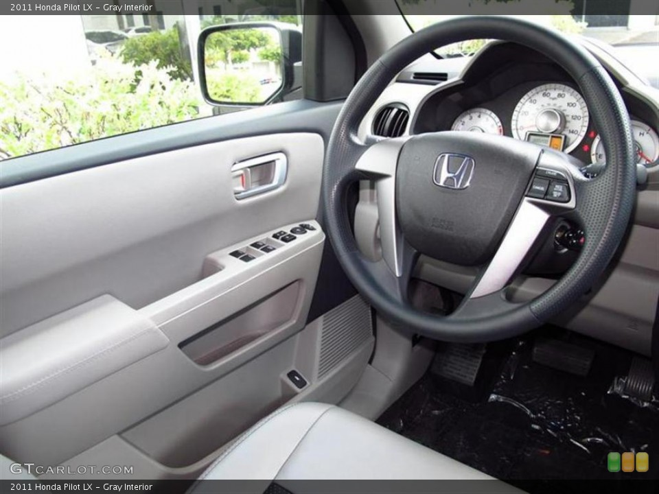 Gray Interior Photo for the 2011 Honda Pilot LX #49450831