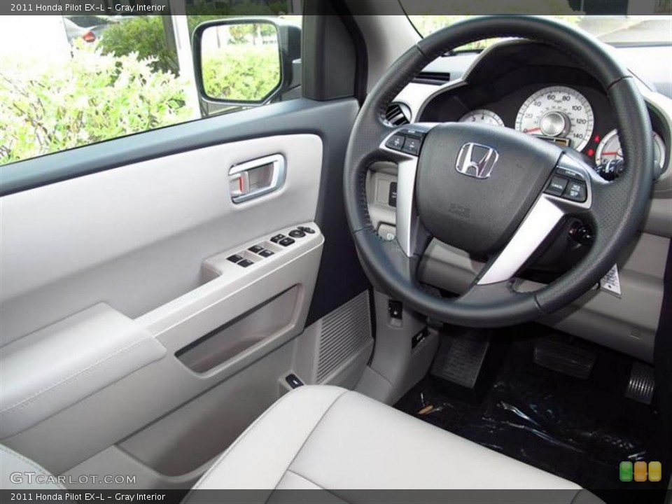 Gray Interior Photo for the 2011 Honda Pilot EX-L #49453741