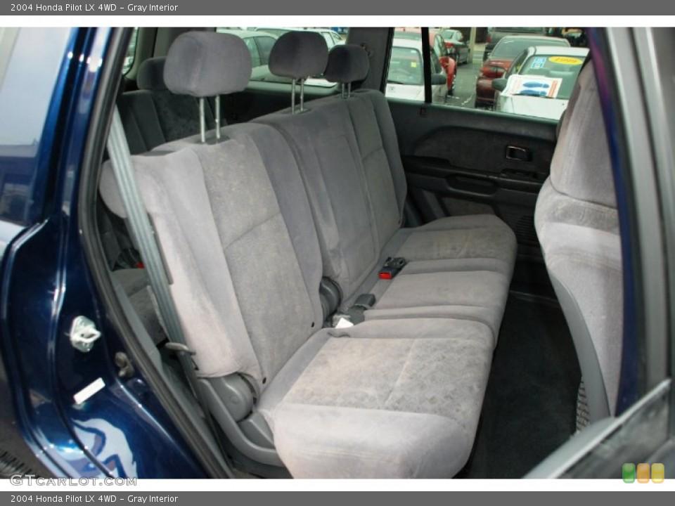 Gray Interior Photo for the 2004 Honda Pilot LX 4WD #50327907