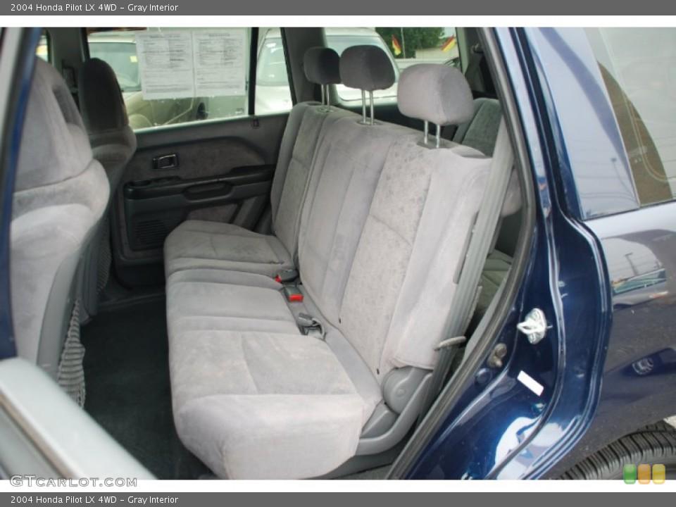 Gray Interior Photo for the 2004 Honda Pilot LX 4WD #50327913