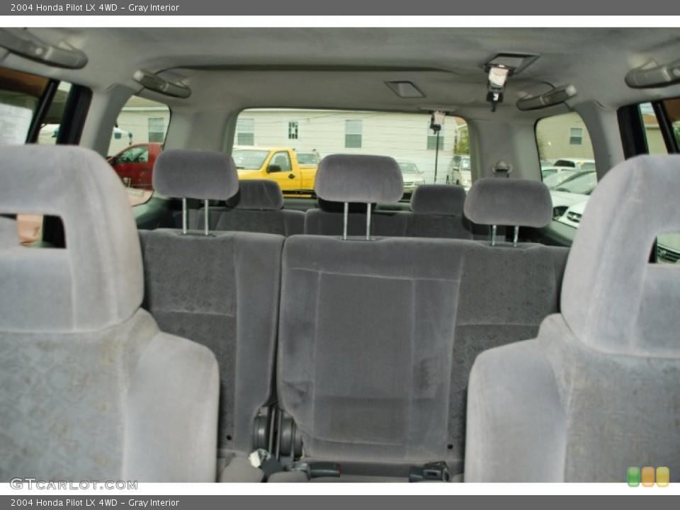 Gray Interior Photo for the 2004 Honda Pilot LX 4WD #50327931