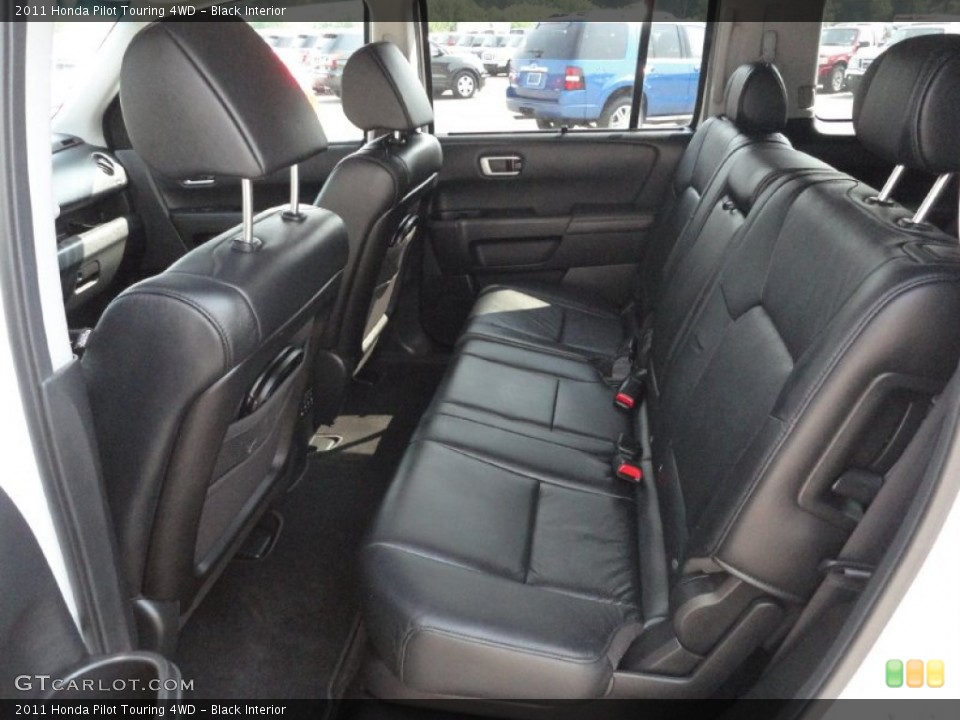 Black Interior Photo for the 2011 Honda Pilot Touring 4WD #50368179