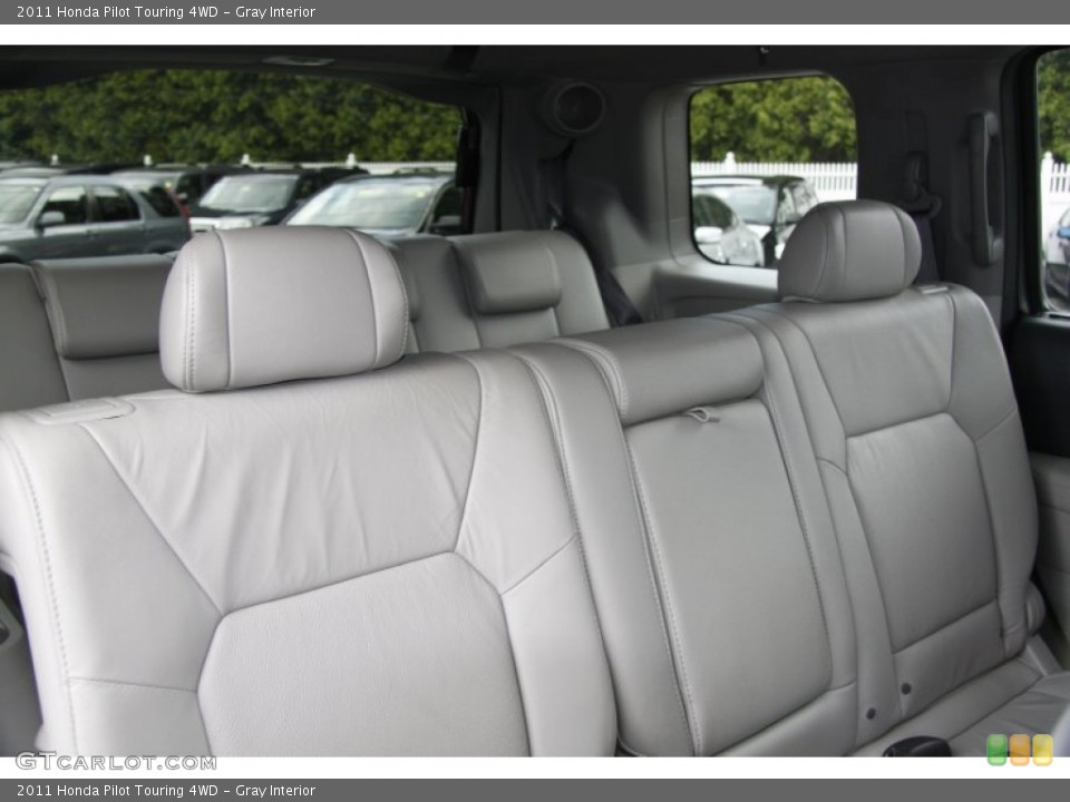 Gray Interior Photo for the 2011 Honda Pilot Touring 4WD #50453240