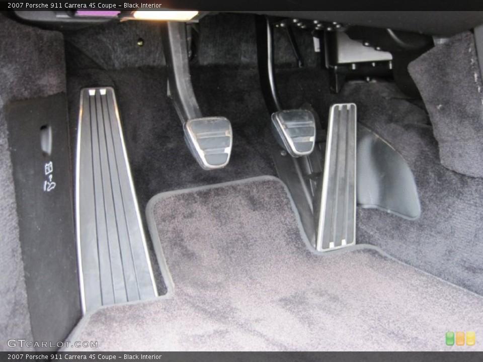 Black Interior Controls for the 2007 Porsche 911 Carrera 4S Coupe #50528647