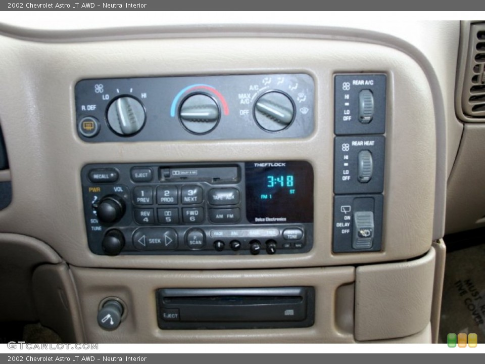 Neutral Interior Controls for the 2002 Chevrolet Astro LT AWD #51082841
