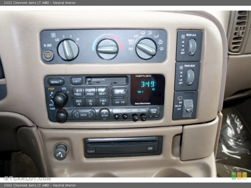 Neutral Interior Controls for the 2002 Chevrolet Astro LT AWD #51082859