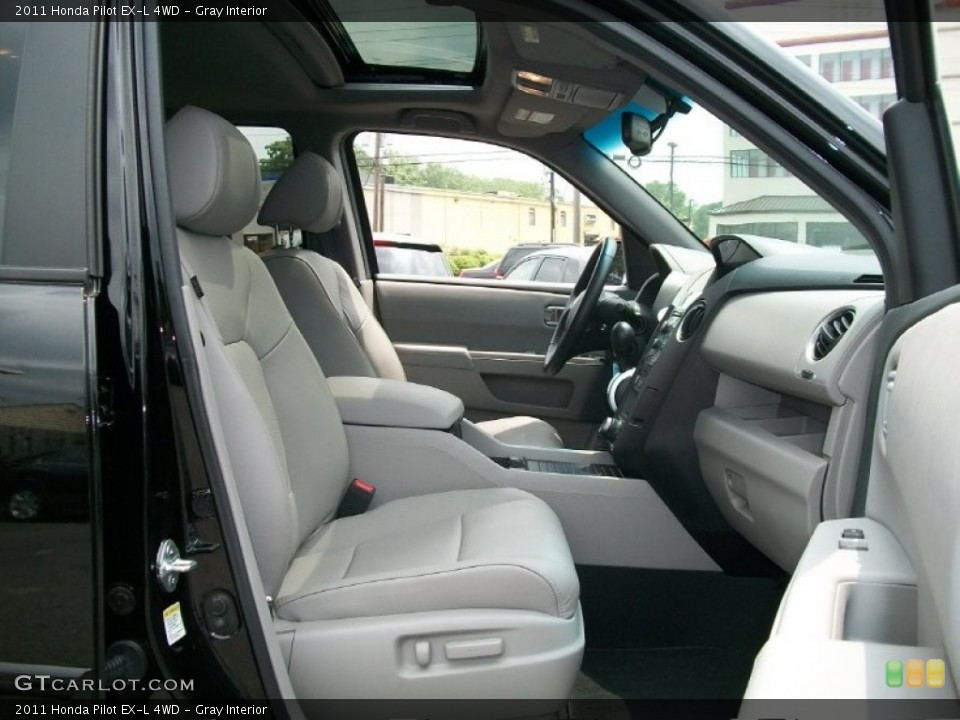 Gray Interior Photo for the 2011 Honda Pilot EX-L 4WD #51125256
